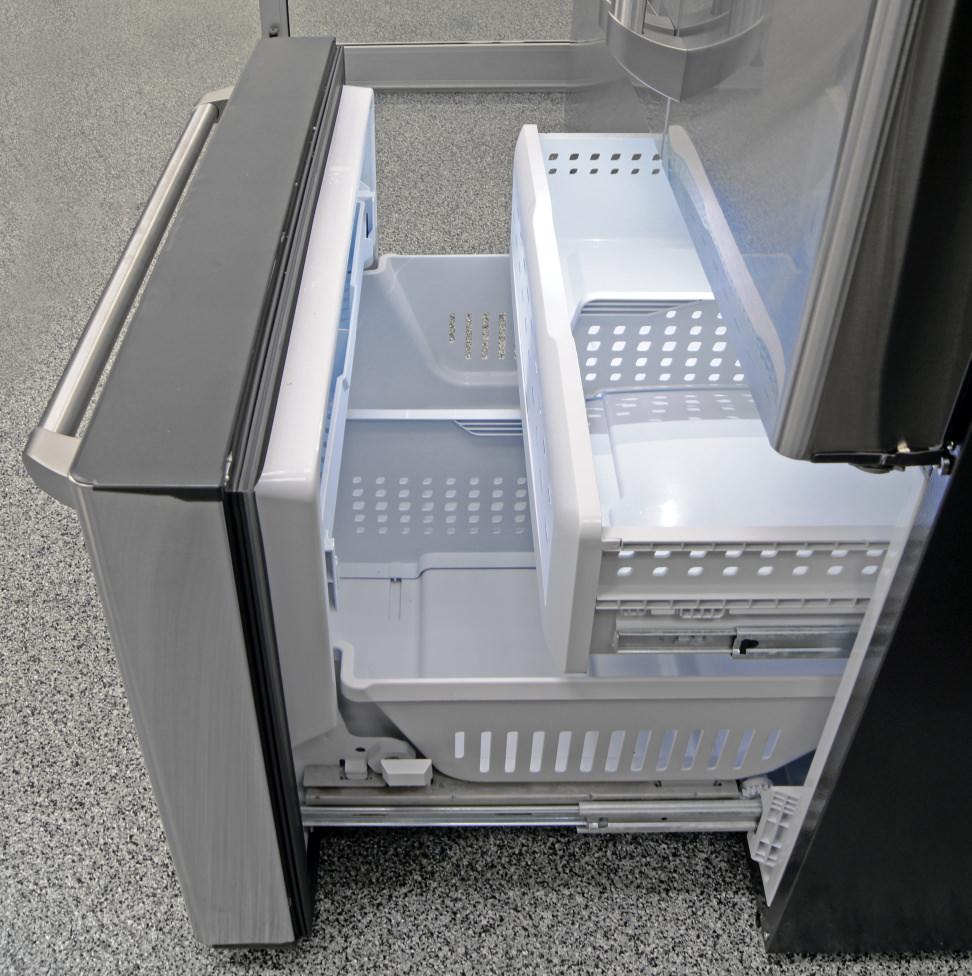 GE-Cafe-CFE28TSHSS-freezer.jpg